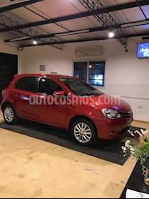 Toyota Etios Hatchback XLS usado (2016) color Rojo precio $385.000