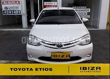 Foto venta Auto usado Toyota Etios Hatchback XLS (2015) color Blanco precio $349.000