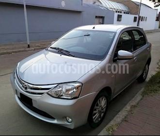 Toyota Etios Hatchback XLS usado (2014) color Gris Claro precio $365.000