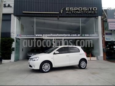 Foto venta Auto usado Toyota Etios Hatchback XLS (2014) color Blanco precio $355.000