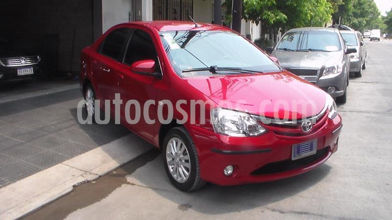 Toyota Etios Sedan XLS usado (2014) color Rojo precio $699.900