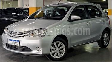 Toyota Etios Sedan XLS Aut usado (2017) color Gris Claro precio $670.000