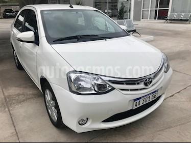 Toyota Etios Sedan XLS usado (2016) color Blanco precio $525.000