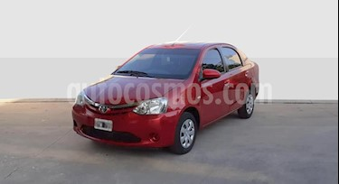 Toyota Etios Sedan XS usado (2015) color Rojo precio $395.000