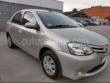 Toyota Etios Sedan Platinum Aut usado (2018) color Negro precio $720.000