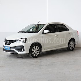 Foto Toyota Etios Sedan XLS usado (2018) color Blanco precio $650.000