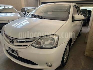 Toyota Etios Sedan XLS usado (2013) color Blanco precio $690.000