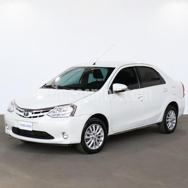 Toyota Etios Sedan XLS 2015/2016 usado (2015) color Blanco precio $814.000