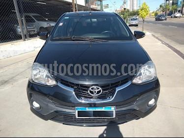 Toyota Etios Sedan Platinum Aut 2016/17 usado (2018) color Negro precio $790.000