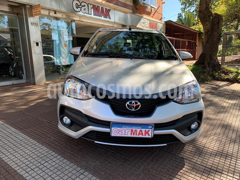 Toyota Etios Sedan XLS usado (2018) color Gris Plata  precio $879.990