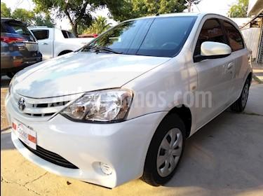 Toyota Etios Sedan XS usado (2014) color Blanco precio $1.111.111