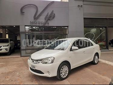 Toyota Etios Sedan XLS usado (2014) color Blanco precio $490.000