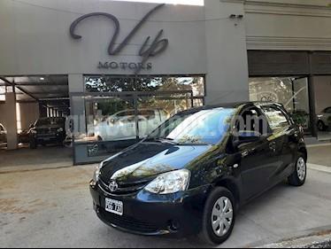 Toyota Etios Sedan XS usado (2015) color Negro precio $510.000