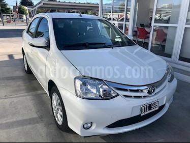 Toyota Etios Sedan XLS usado (2015) color Blanco precio $525.000