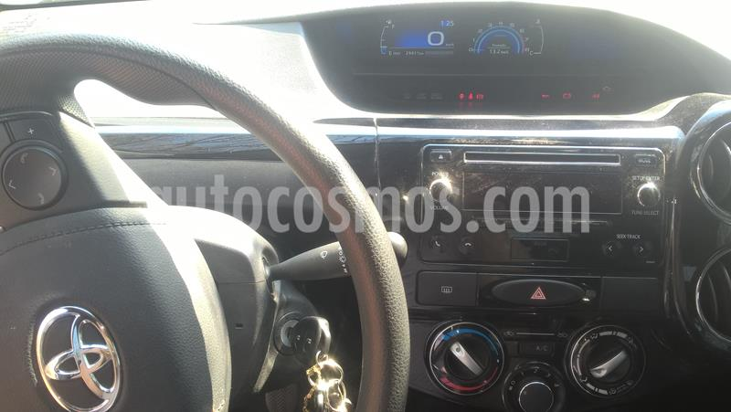 Toyota Etios Sedan XS usado (2017) color Blanco precio $850.000