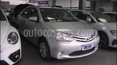 Toyota Etios Sedan XLS Aut 2016/17 usado (2016) color Plata precio $689.900