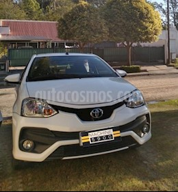 Toyota Etios Sedan XLS Aut 2016/17 usado (2017) color Blanco precio $850.000