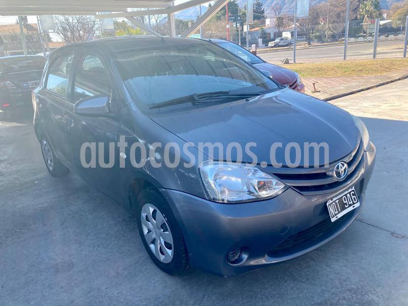Toyota Etios Sedan XS usado (2014) color Gris Oscuro precio $635.000