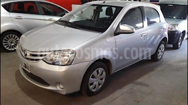 Toyota Etios Sedan XS usado (2015) color Gris Claro precio $620.000