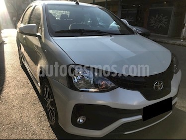 Toyota Etios Sedan XLS usado (2018) color Blanco Perla precio $765.000