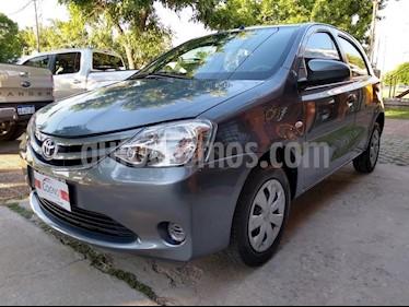 Foto Toyota Etios Sedan XS usado (2015) color Gris Oscuro precio $1.111.111