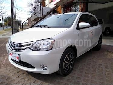 Toyota Etios Sedan Platinum Aut usado (2016) color Blanco precio $1.111.111