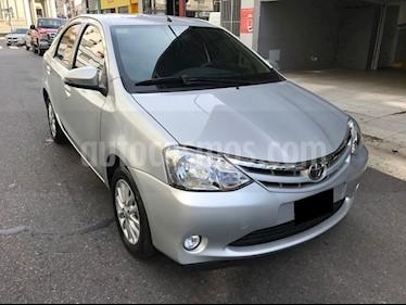 Toyota Etios Sedan XLS Aut 2016/17 usado (2016) color Gris Plata  precio $725.000