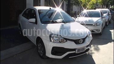 Toyota Etios Sedan XS usado (2017) color Plata precio $689.900