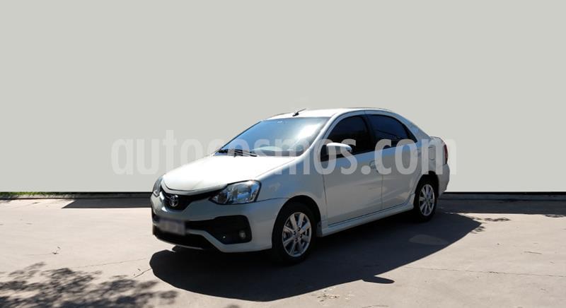 Toyota Etios Sedan XLS usado (2017) color Blanco precio $1.050.000