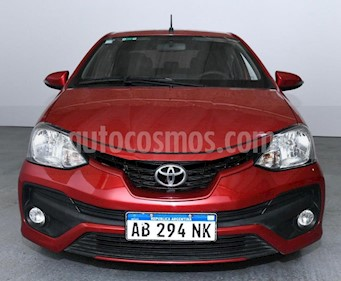 Toyota Etios Sedan XLS usado (2017) color Rojo precio $570.000