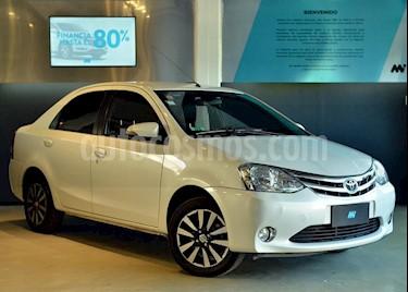 Toyota Etios Sedan Platinum Aut usado (2016) color Blanco precio $580.000
