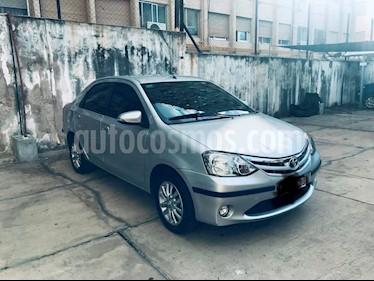 Toyota Etios Sedan XLS 2015/2016 usado (2016) color Gris Plata  precio $390.000