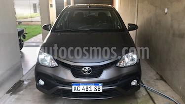 Toyota Etios Sedan XLS 2016/17 usado (2018) color Marron precio $690.000