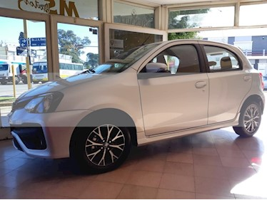 Foto venta Auto usado Toyota Etios Sedan XLS 2016/17 (2019) color Gris Oscuro precio $750.000