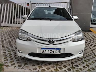 foto Toyota Etios Sedán XLS Aut usado (2016) color Blanco Perla precio $550.000