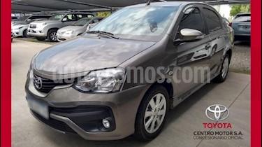 Foto venta Auto usado Toyota Etios Sedan XLS (2017) color Gris Oscuro precio $470.000