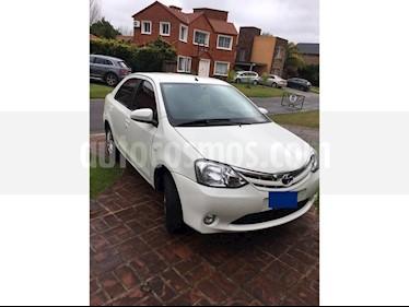 foto Toyota Etios Sedán XLS usado (2014) color Blanco Perla precio $350.000