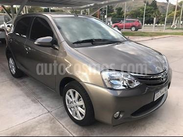 Foto venta Auto usado Toyota Etios Sedan XLS (2017) color Gris Oscuro precio $420.000