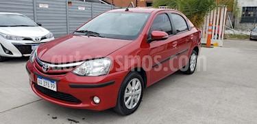 foto Toyota Etios Sedán XLS usado (2016) color Rojo precio $520.000