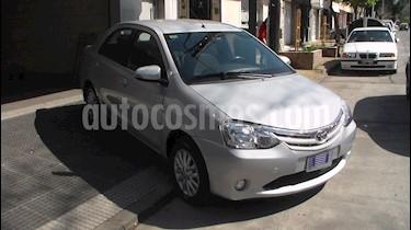 foto Toyota Etios Sedán XLS usado (2015) color Gris Plata  precio $389.900
