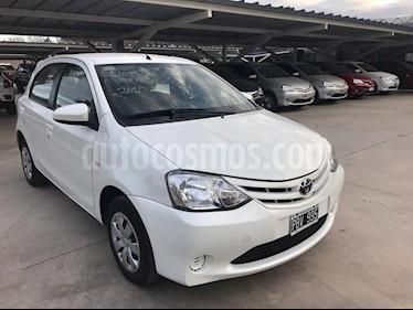 foto Toyota Etios Sedán XS 2016/17 usado (2015) color Blanco precio $410.000