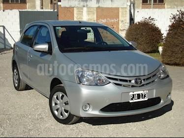 Foto venta Auto usado Toyota Etios Sedan XS (2015) color Gris Claro precio $240.000