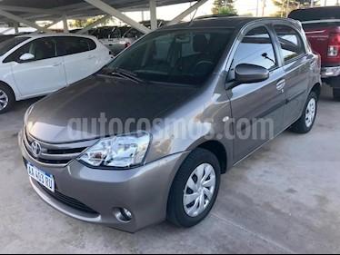 Foto venta Auto usado Toyota Etios Sedan XS (2016) color Gris Claro precio $383.000