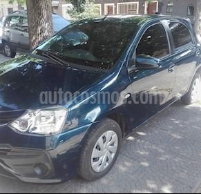 Toyota Etios Sedan XS usado (2018) color Azul precio u$s8.000