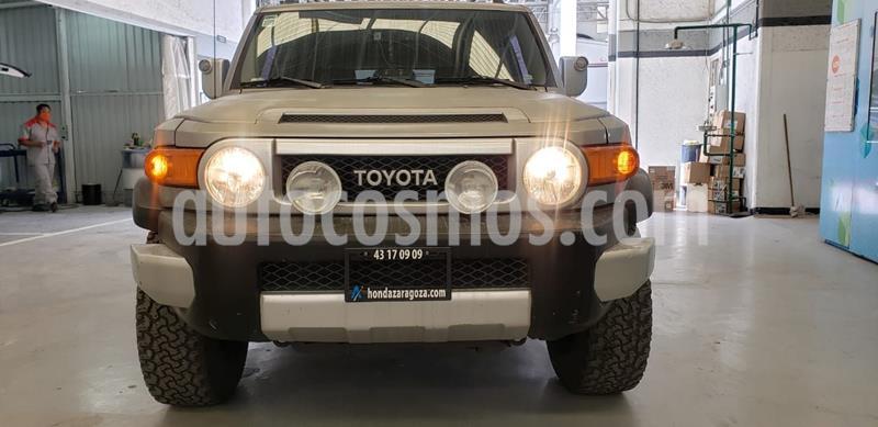 Toyota FJ Cruiser Premium usado (2010) color Gris precio $337,500