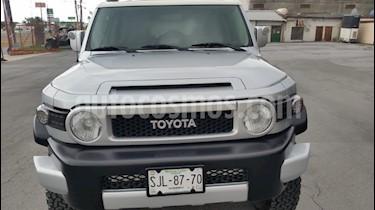 Foto Toyota FJ Cruiser Premium usado (2008) color Plata precio $290,000