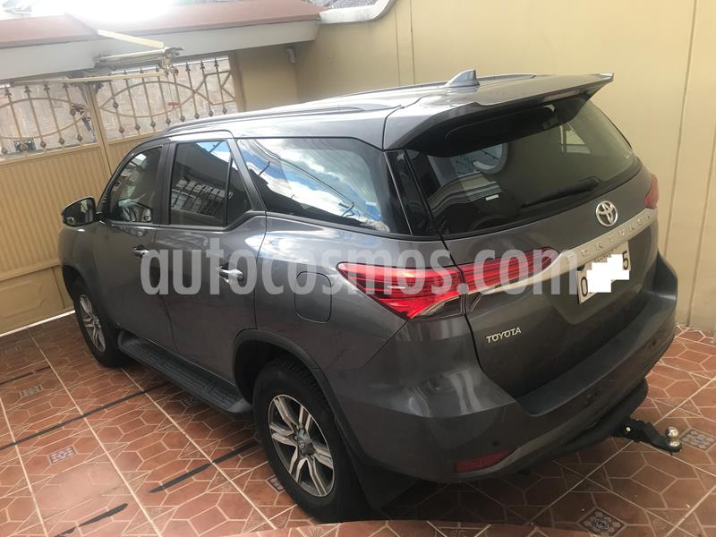 Toyota Fortuner 2.7L 4x4  Aut  usado (2019) color Gris precio u$s48.500