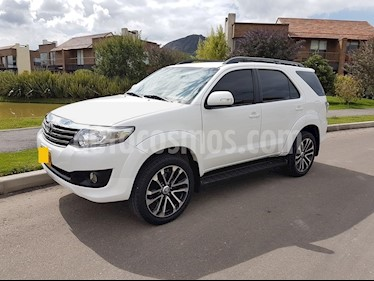 Foto Toyota Fortuner Urbana 2.7L 4x4 Aut  usado (2013) color Blanco precio $36.350.000