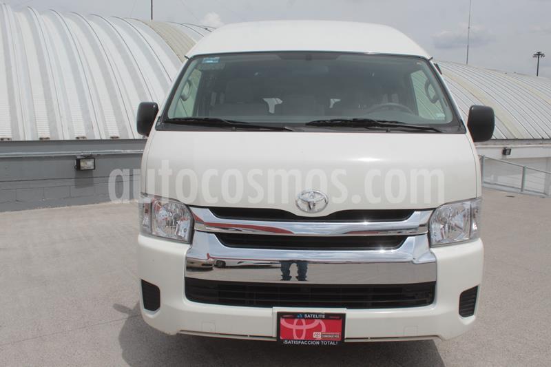 Toyota Hiace 2.7L Bus 15 Pas usado (2015) color Blanco precio $370,000