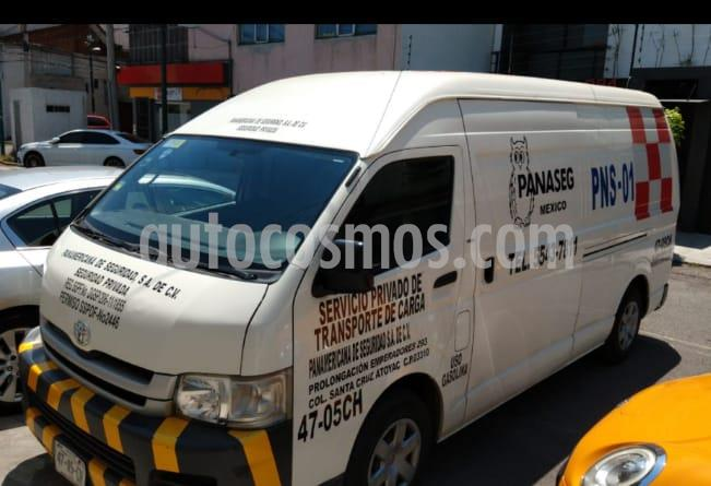 Toyota Hiace 2.7L Panel Super Larga usado (2008) color Blanco precio $145,000
